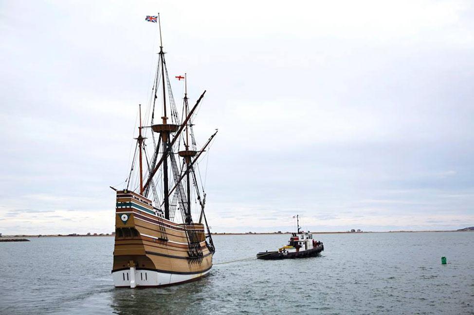 Mayflower II ship departing