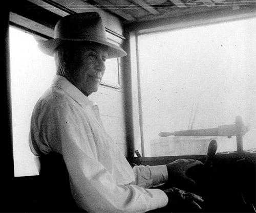 photo of gentleman in hat